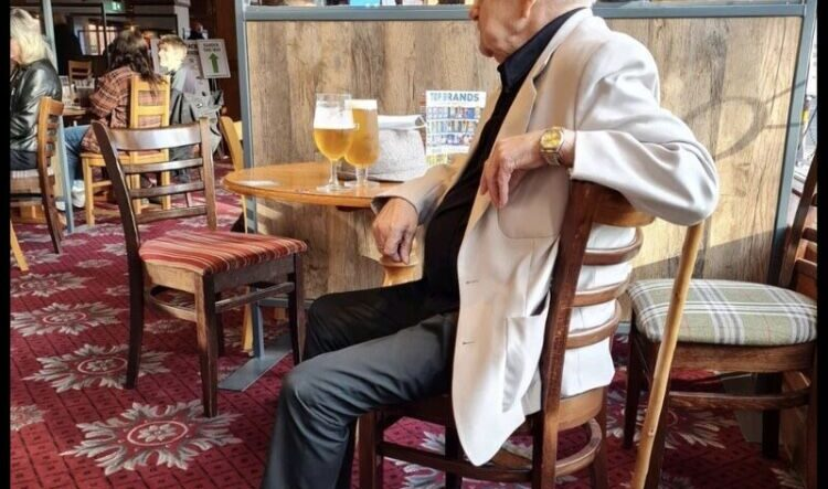 The Poor Elderly Man That Needed A Pint Became LinkedIn Famous